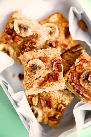 free from Banana and Pecan Oat Bar