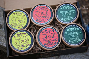 Cracking Nuts spicy box selection gift