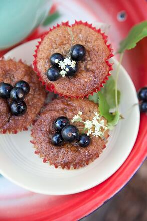 Gluten free and nut free Blackcurrant and Elderflower Cup cake recipe