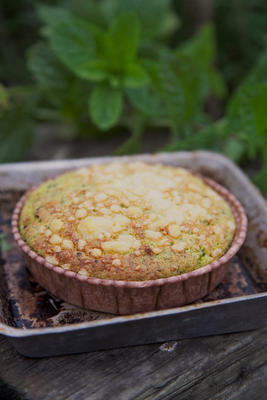 Pea and mint tart in dish