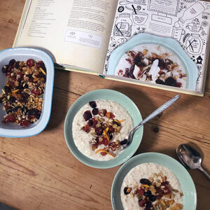 Posh Porridge with florentine mix and Honeybuns All Dayu Cook Book