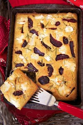 Goats cheese and beetroot Cornbread