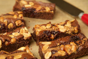 Vegan friendly Peanut butter & Jelly Brownie traybake