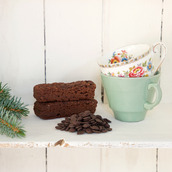 Hot Chocolate & vintage tea cup gift box